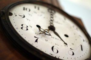 reloj blanco digital